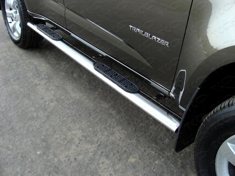 накладка на задний бампер chevrolet trailblazer 2012